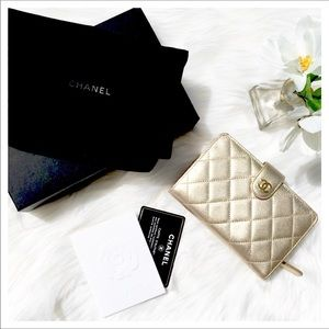 CHANEL LIGHT GOLD QUILTED WALLET